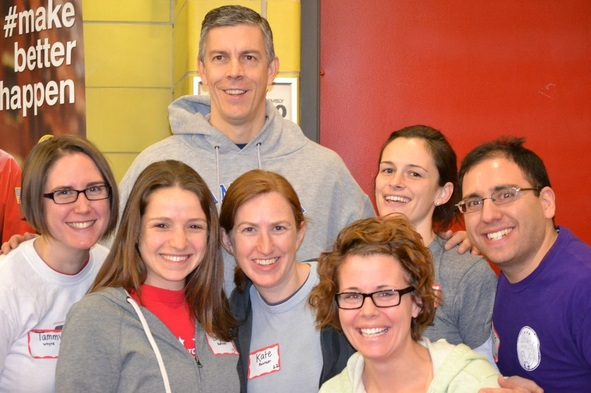 Picture of Arne Duncan with YEP-DC members